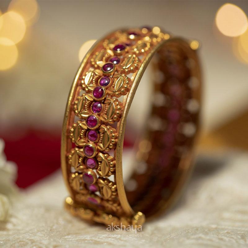 Akshaya Gold Bangle GL10320