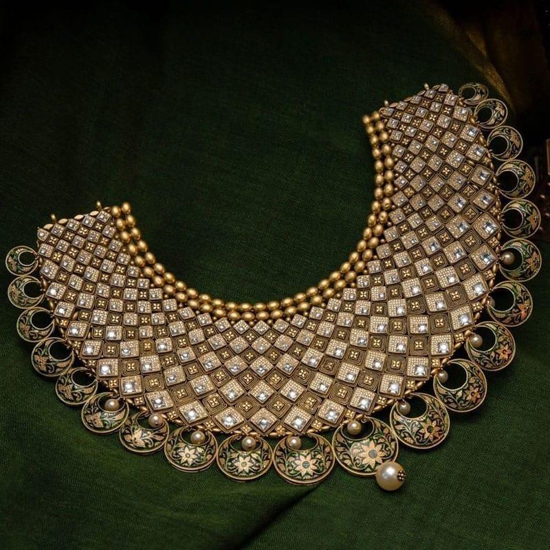 Akshaya Gold Earring GL10129