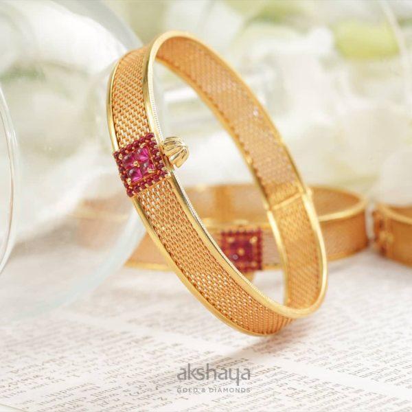 Akshaya Gold Bangle GL10324