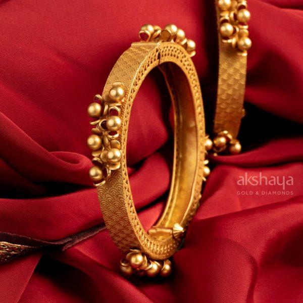 Akshaya Gold Bangle GL10325