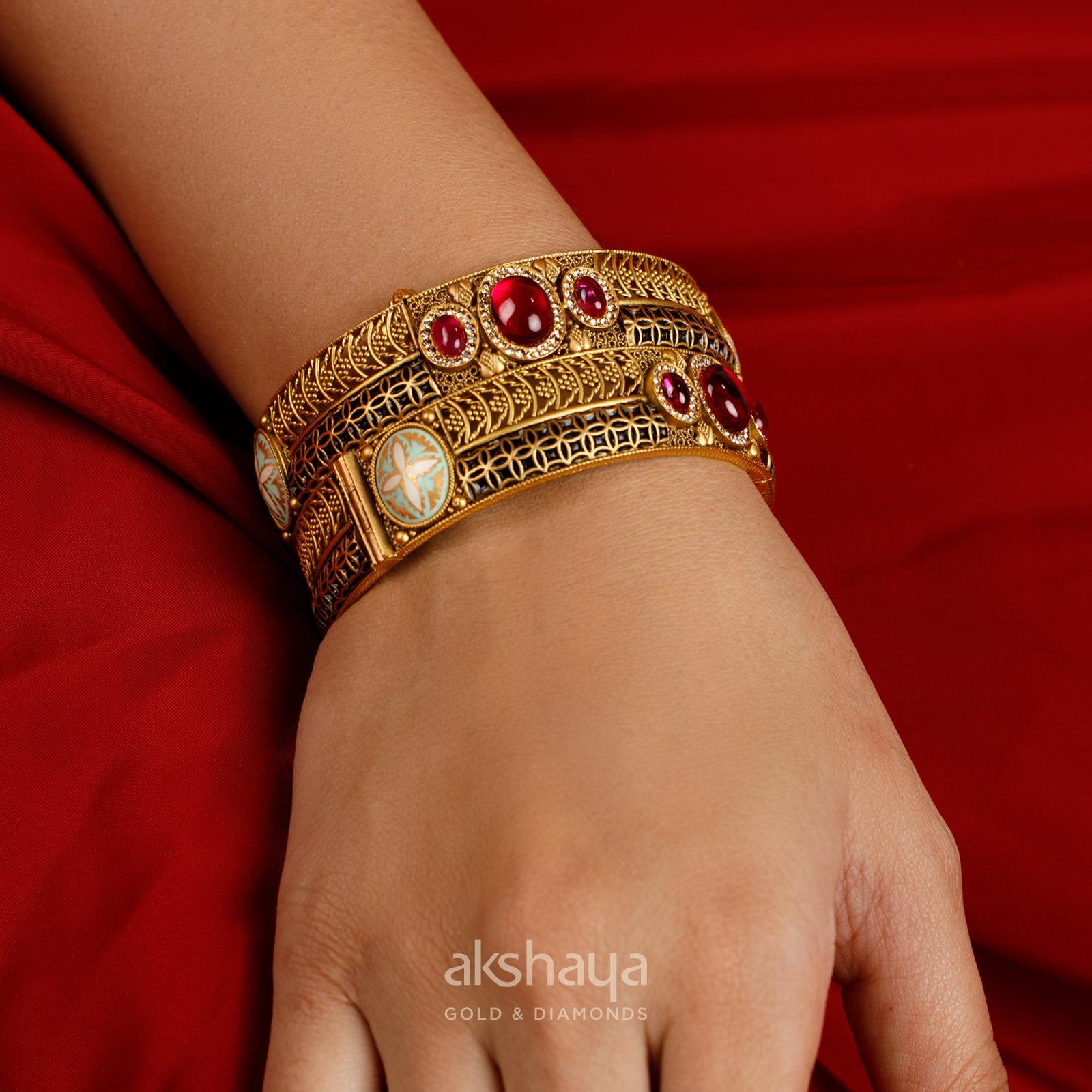 Akshaya Gold Bangle GL10327