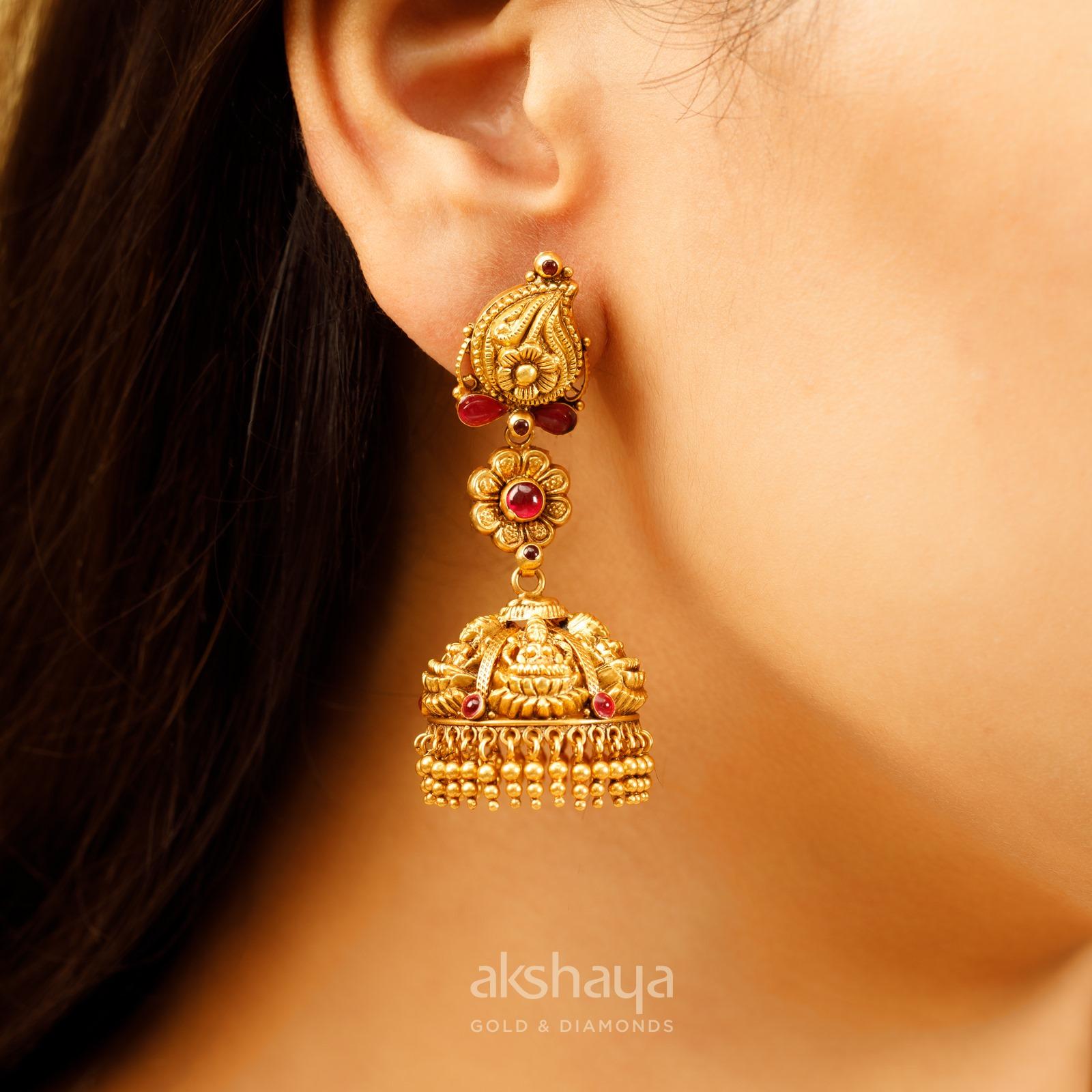 Akshaya Gold Earring GL10139