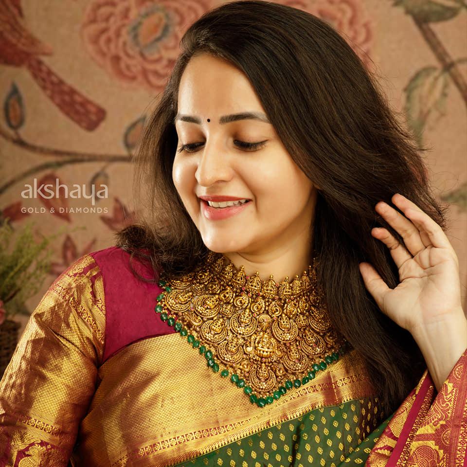 Akshaya Gold Necklace GL10268